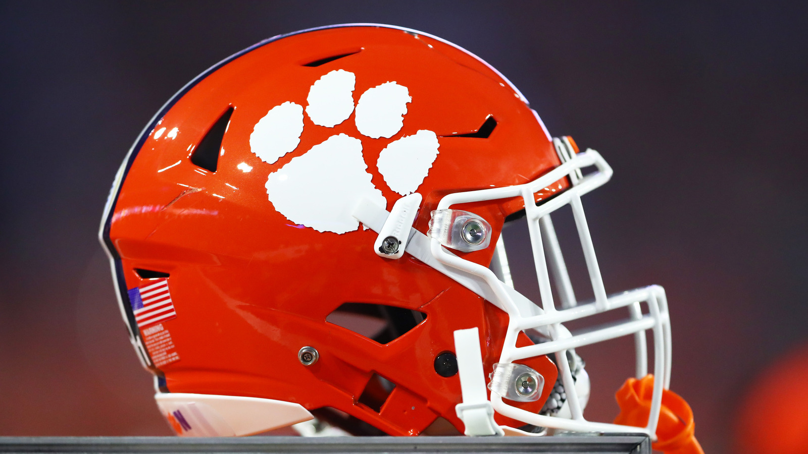 College Football Wallpapers Hd Clemson Football Comes To Aid Of Injured Student After