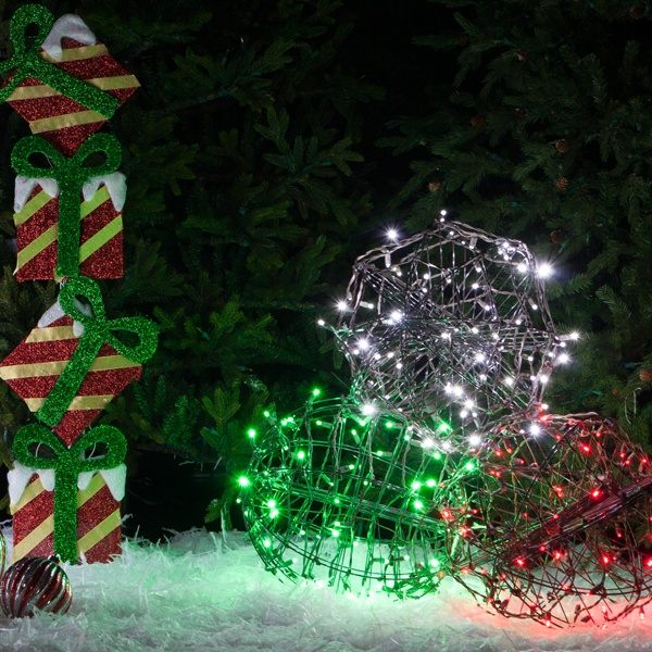 Outdoor Christmas Decorations - Yard Envy - lighted outdoor christmas decorations