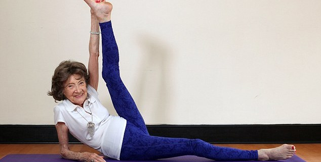The world oldest yoga teacher
