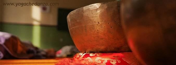 Campane tibetane durante leziione Yogachedanza Montorso