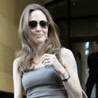 Angelina Jolie Sets Her Wedding Date To Brad Pitt