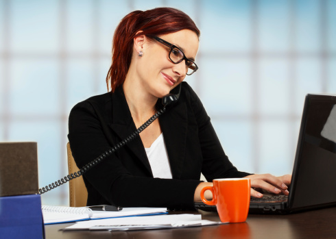 Girl Holding Money Wallpaper Managing Remote Staff Here S Why A Virtual Office Is Much