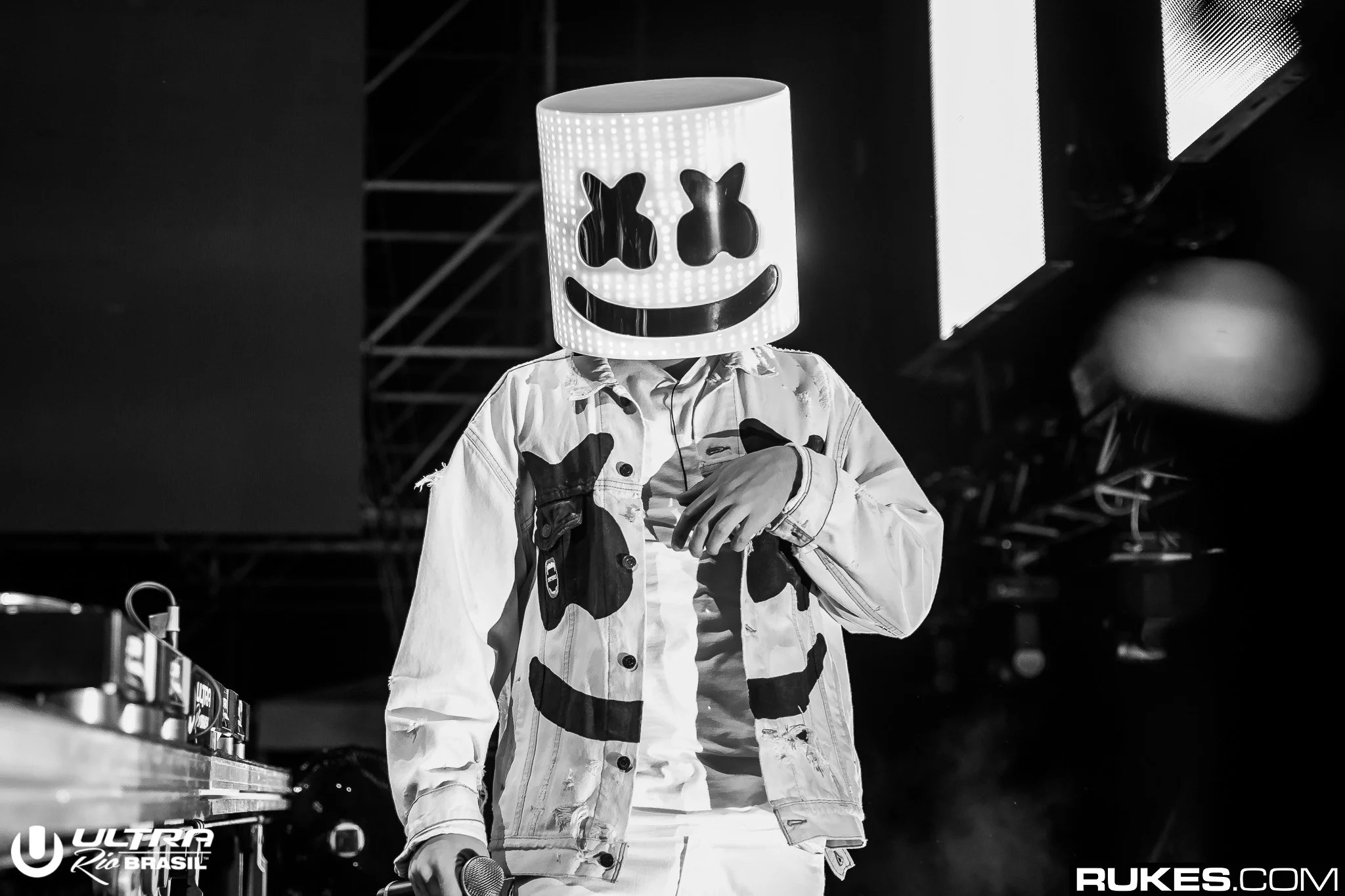 Indie Wallpaper Hd Marshmello Sings On New Song You Amp Me Quot Out Now Your Edm