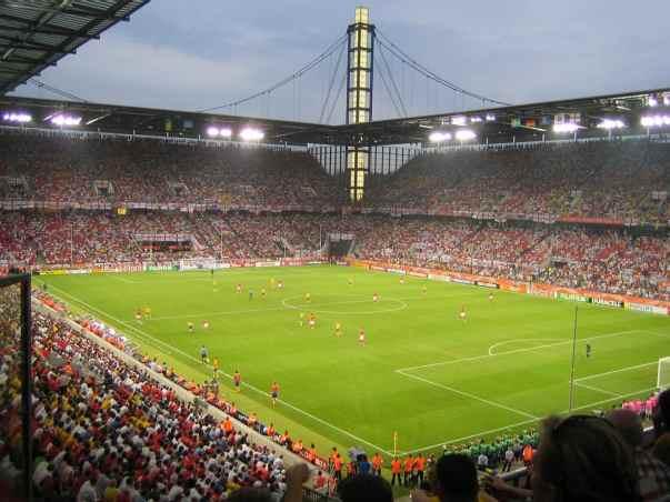 Soccer-match-1600-1200