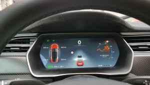 Tesla Model S_Plancia (3)