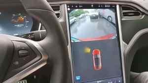 Tesla Model S_Plancia (7)