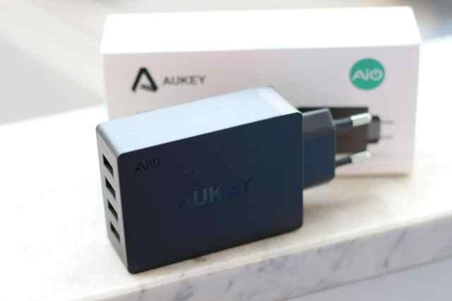 Recensione Aukey Caricabatterie con 4 USB con Tecnologia AIPower 30W 5V e 6A (9)