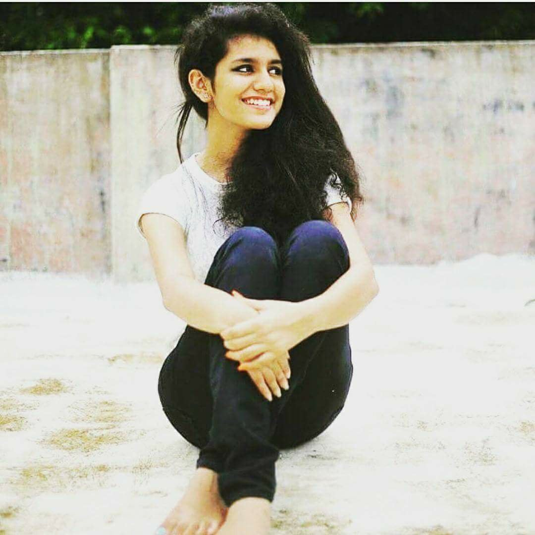 Ae Dil Hai Mushkil Wallpaper With Quotes Priya Prakash Varrier Biography And Her Quotes