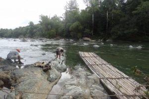Cuba- Baraoca: La rivière que l'on doit depasser pour monter El Yunque.