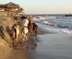 nicaragua-pacifique-touriste-chevaux-voyage-travel
