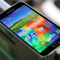 Samsung Galaxy S5 Plus runs on Snapdragon 805