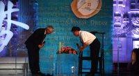 """<p>Desde finales de julio, el prestigioso semanal <em>Nanfang Zhoumo</em> (Southern Weekly) ha liderado varias actividades relacionadas con un mismo tema: """"Sueños chinos"""". Lo cierto es que este evento combina numerosas actividades (debates en televisión y universidades, entrevistas...) y que en cierto sentido funciona como una especie de """"debate sobre el Estado de la nación"""". Una de las entrevistas más interesantes de los últimos días ha sido la que le han hecho a Wu Jinglian, un veterano economista de 80 años que ha criticado la corrupción de los líderes políticos y la intromisión del Gobierno en la economía de mercado. </p>"""