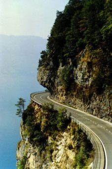 veszelyes_utak route montagne