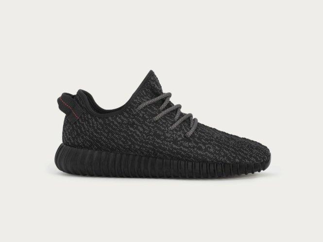 adidas-X-Kanye-West-YEEZY-BOOST-350-BLACK_U_ราคา-8490-บาท-2-1-1024x768