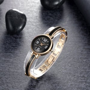 Zegarek    Love work arbeit office do travail relax pas cher bon prix marche rabote do biura Uhr watch noir montre cherniy godzinnik Montre belle gold toll or sukienki ubrania clothes London