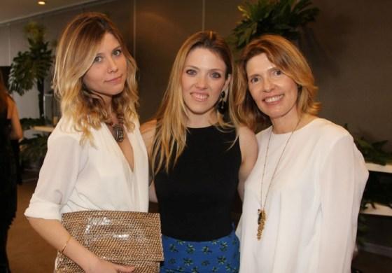 Ana Carolina e Marianna e Maria Helena Chaves