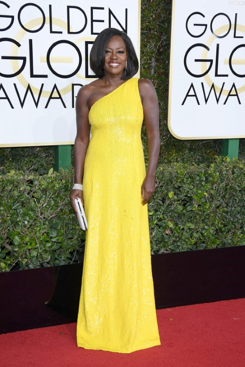 BEVERLY HILLS, CA - JANUARY 08: Viola Davis attends the 74th Annual Golden Globe Awards at The Beverly Hilton Hotel on January 8, 2017 in Beverly Hills, California.  (Photo by Venturelli/WireImage)