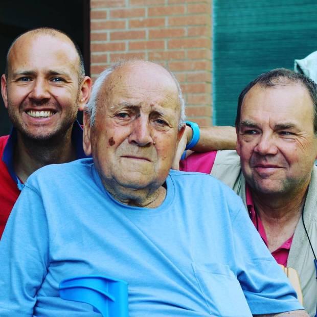 Tre generazioni in una foto io babbo e nonno familyhellip