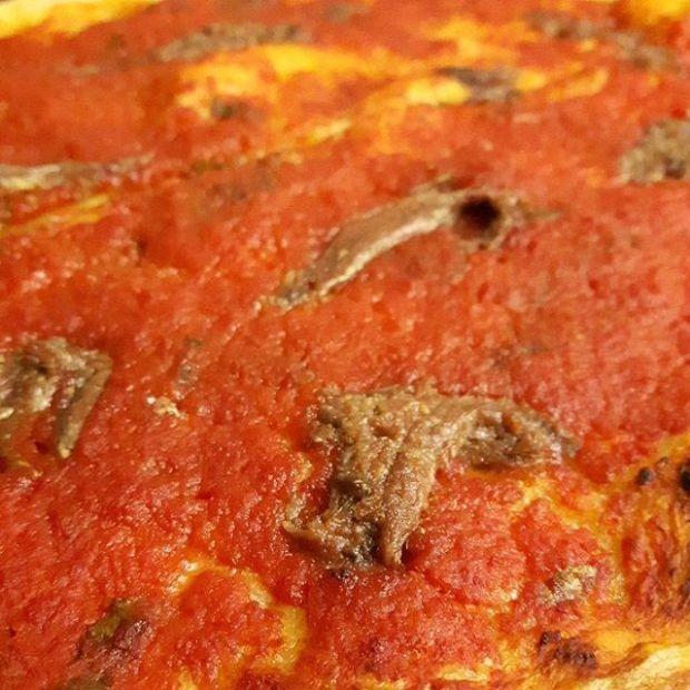 pizza di grano duro e lievito madre con passata dihellip