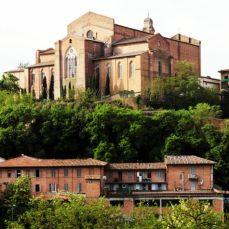 Balisica di San Francesco vista da Via F. di Valdambrino
