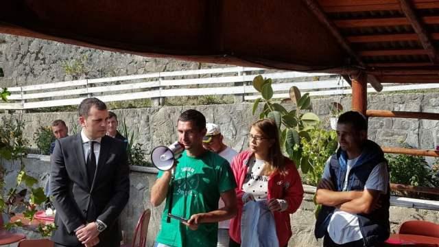 campanie-ecologizare-subprefect-vlad-ciurea-lacul-izvorul-muntelui-01