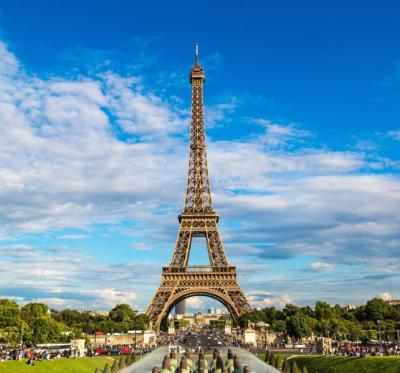 Behind-the-Scenes Paris Tour: An Intro to its Luxury ...