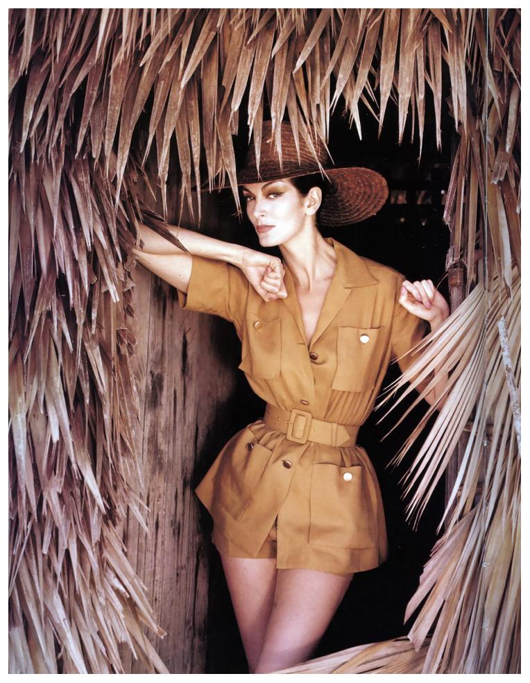carmen-dell-orefice-bahamas-vogue-cover-july-1959