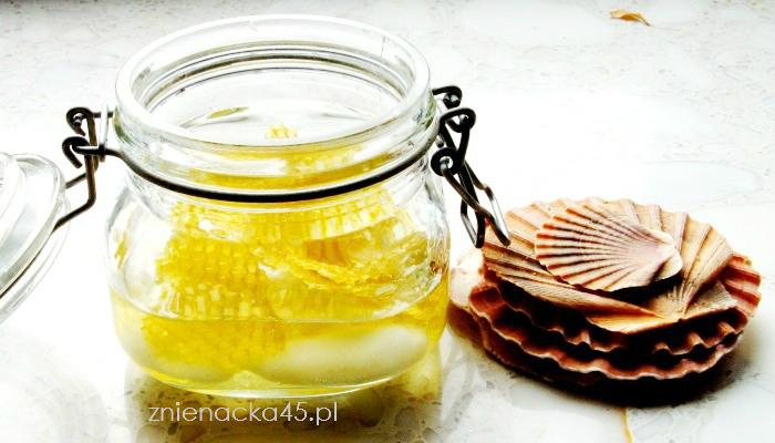Jak zrobić boski balsam do ciała z woskiem pszczelim