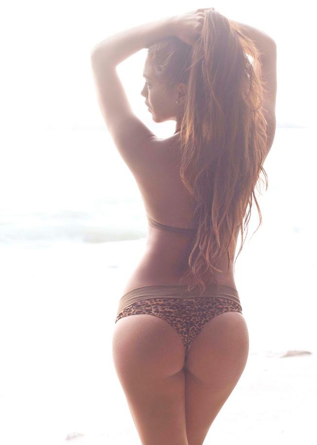 Jazmín Pinedo sexy en Bikini (2)