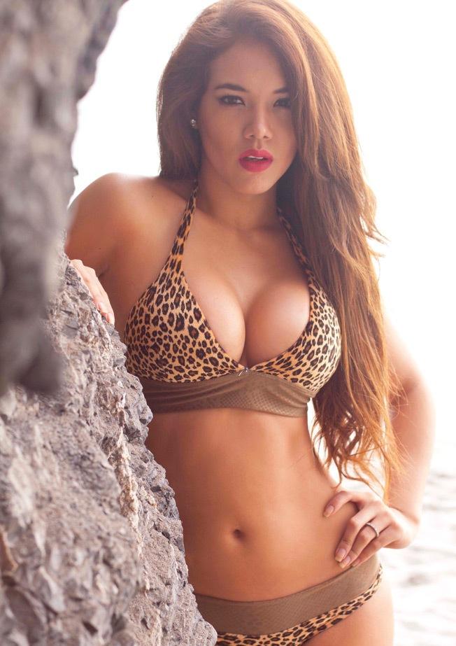 Jazmín Pinedo sexy en Bikini (4)