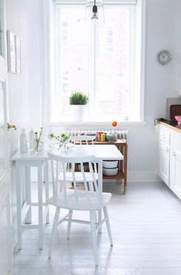 041009-white-kitchen-31