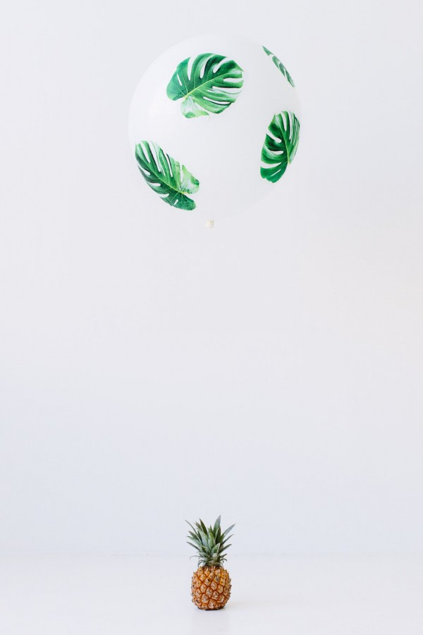 DIY-Palm-Leaf-Balloons3-600x900