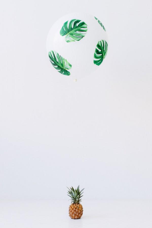 DIY-Palm-Leaf-Balloons3-600x900