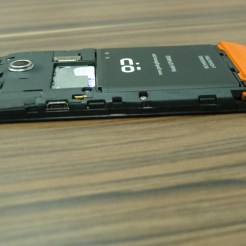 note o uso de um SIM card convencional