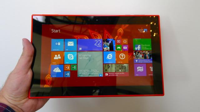 Nokia Lumia 2520 - 2