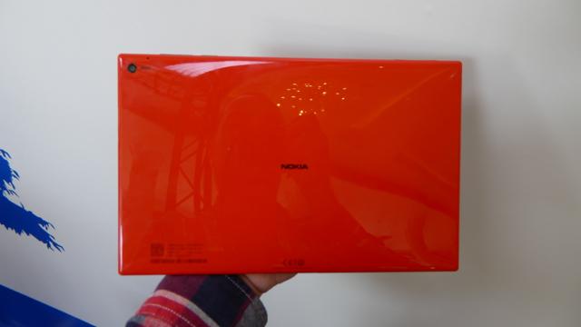 Nokia Lumia 2520 - 3