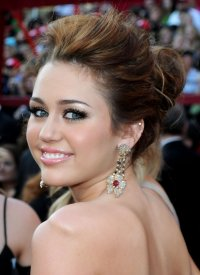 Miley Cyrus Dangling Gemstone Earrings - Miley Cyrus ...