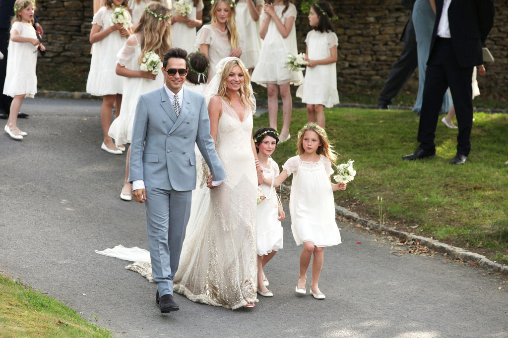 Amazing Kate Moss Wedding Dress Kate Moss Looks Stylebistro ...