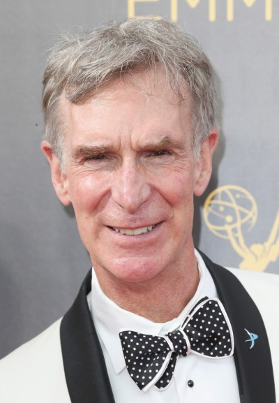 Bill Nye Photos Photos - 2016 Creative Arts Emmy Awards - Day 2 - Arrivals - Zimbio