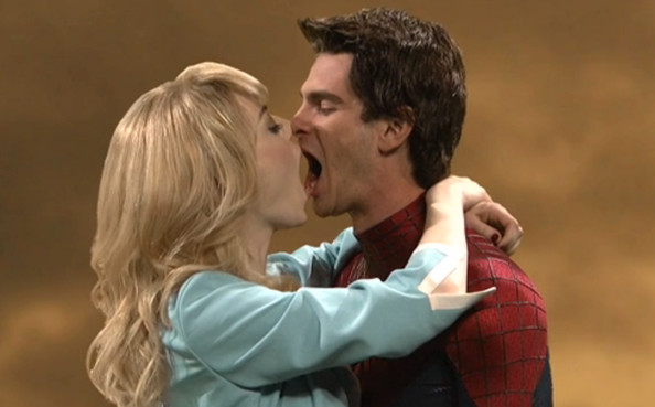 Andrew Garfield Cute Wallpaper 7 Awesomely Awkward Shots Of Emma Stone And Andrew