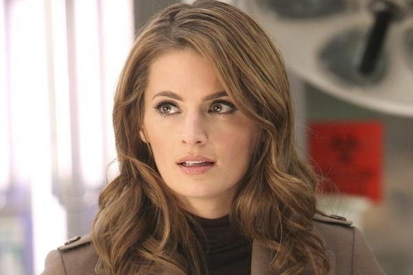 Fall Wallpaper Note Stana Katic And The Cast Of Castle React To Cancellation