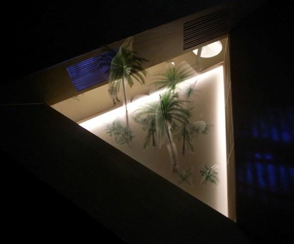Triangular House - central triangular garden