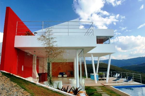 Posterior Facade of House EP in Nova Lima