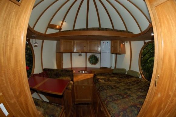 interior photo by Denis Beauvais