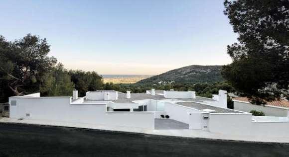 Ripolles-Manrique House