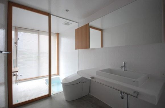 Bathroom (Image Courtesy Mitsutomo Matsunami)