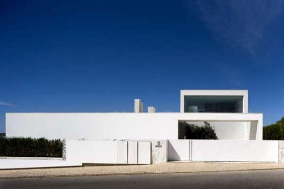 Main View (Image Courtesy Fernando & Sérgio Guerra)