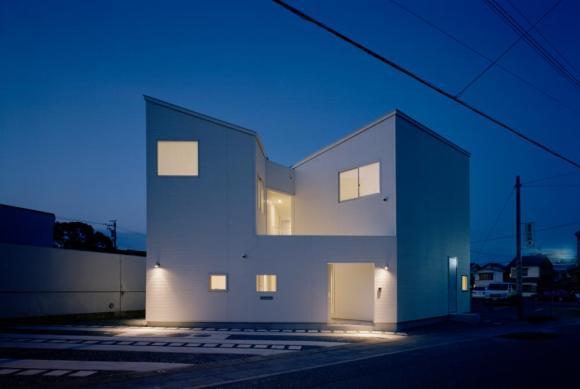Image Courtesy Hiroshi Ueda