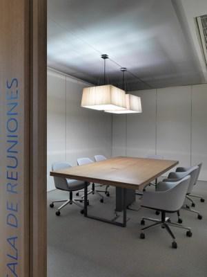 Conference Room (Image Courtesy Duccio Malagamba)