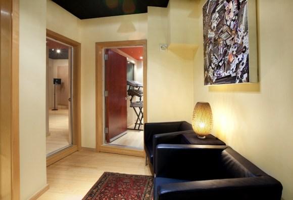 Thompson Studios - Foyer